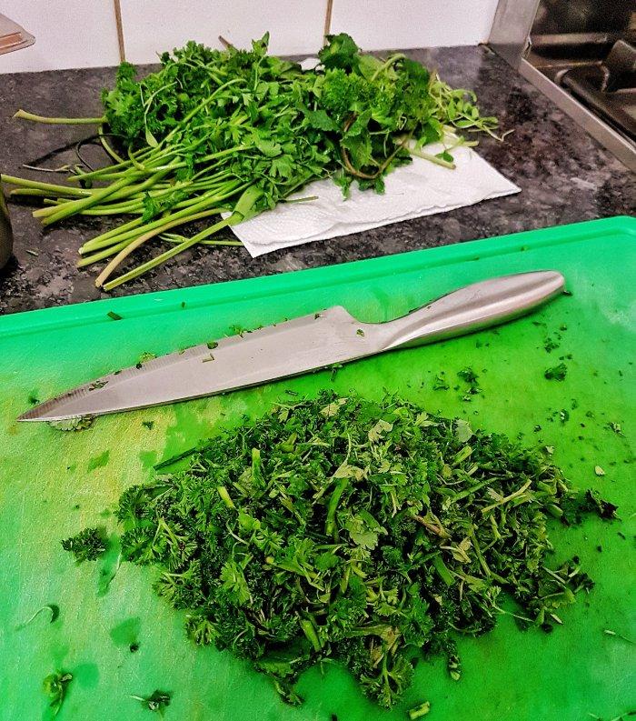 Veganes Frankfurter Grüne Soße Pesto Petersilie