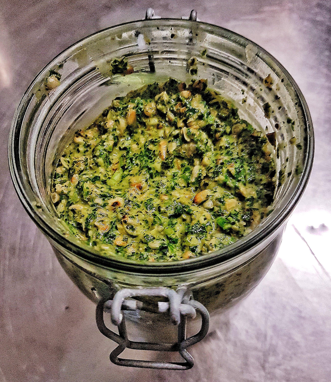 Veganes Frankfurter Grüne Soße Pesto