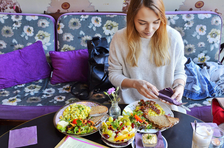Dicke Lilli Gutes Kind Mainz Jasmin beim Essen