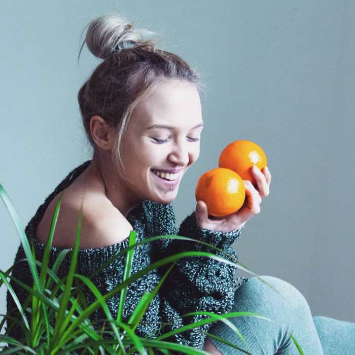 Jasmin Orangen lachen